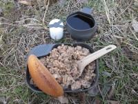 Использования набора посуды Wildo Camp-A-Box Complete в полевых условиях, обзор